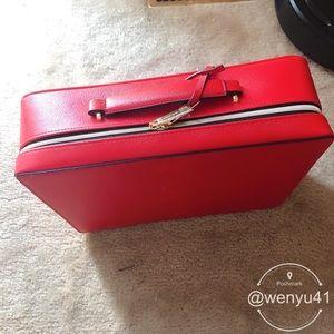 Estée Lauder Red Baggage/makeup bag